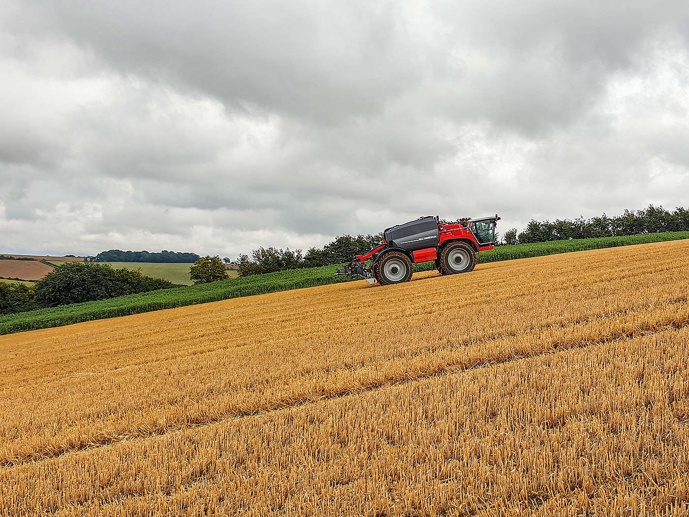 HORSCH product image: During a field demonstration in Great Britain the new self-propelled sprayer PT proved its excellent climbing ability in hilly terrain.